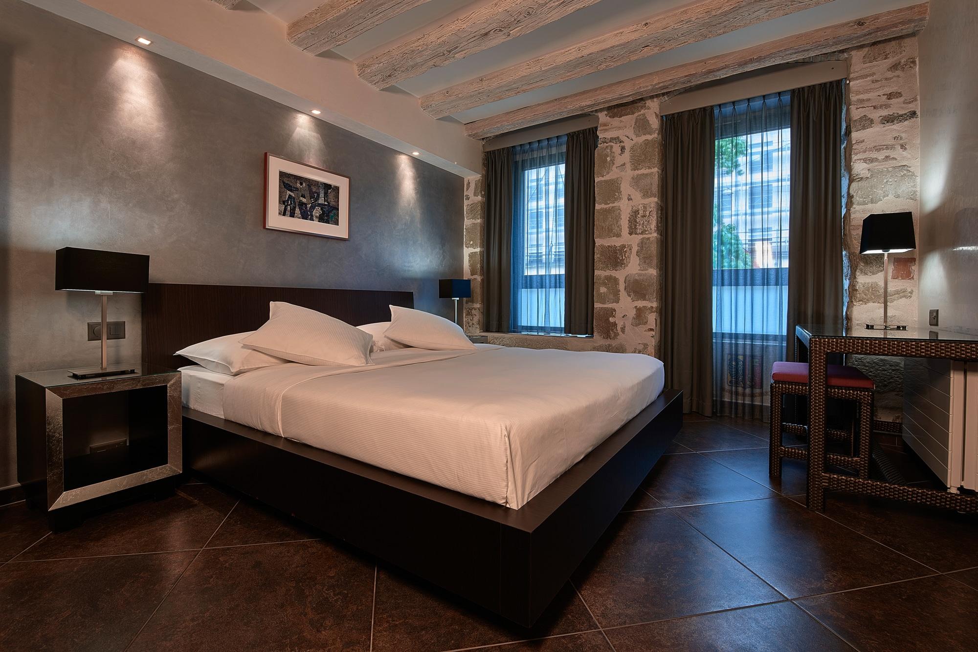 aménagement chambre superior Hôtel d'Allèves Genève